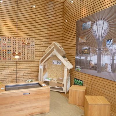Bergisches energiekompetenzzentrum for Holzkubus haus
